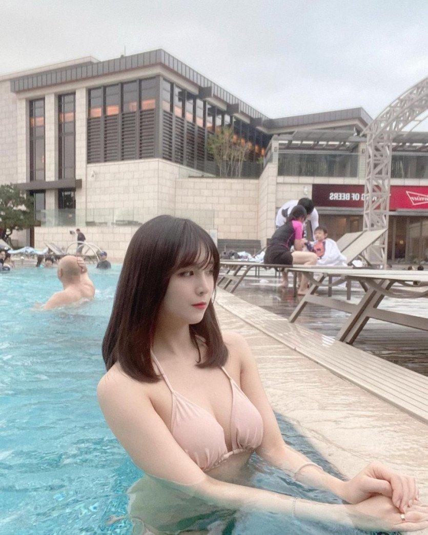 [약스압] 유튜버 꽃빵 ㄷㄷ