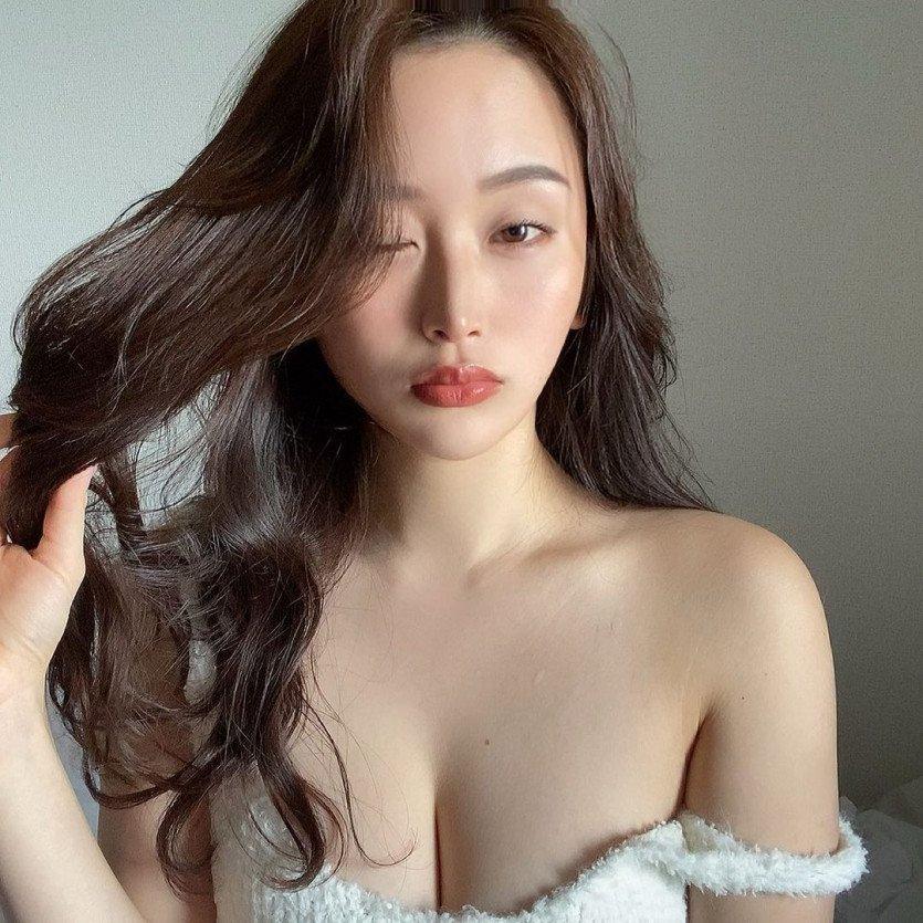 일본 레이싱 모델 후쿠에 나나카